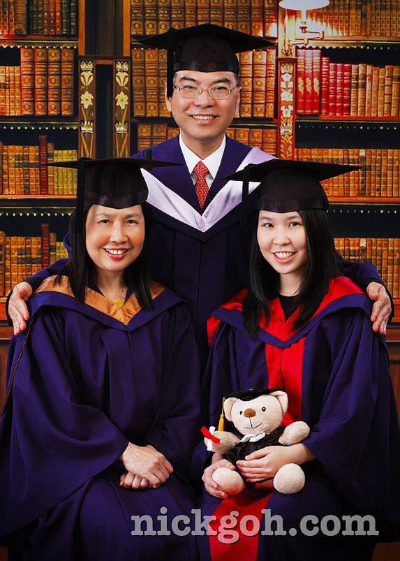 Small Family Graduation Photos - Nick Goh Photo Studio, Singapore